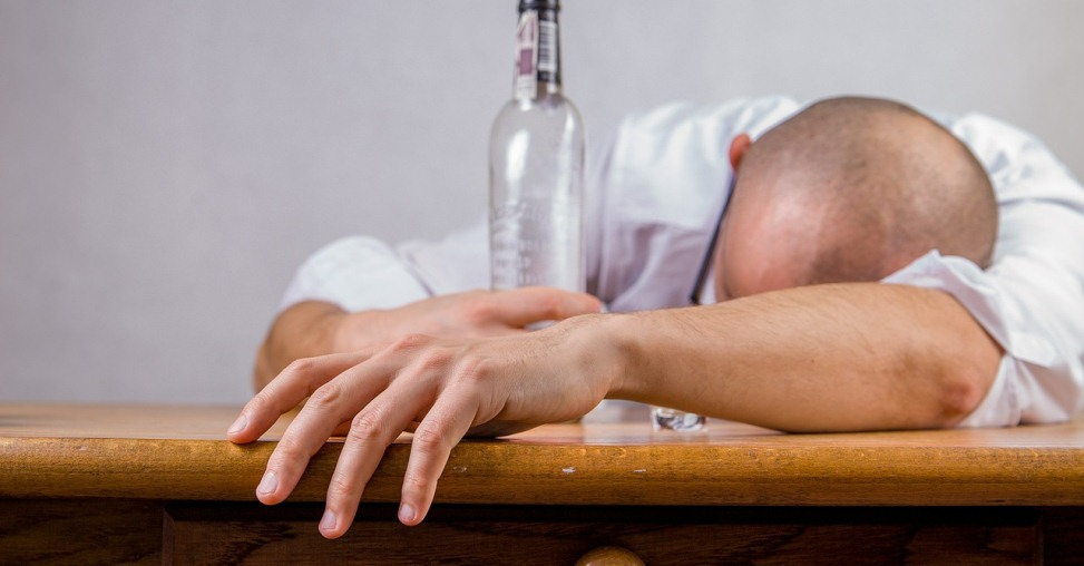 Alcoholism Signs – Ten Warning Signs Of Alcoholism You Should Know